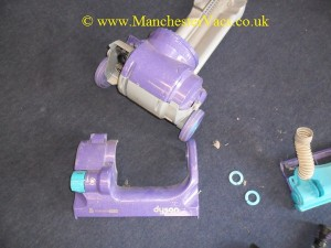 Dyson body housing removal